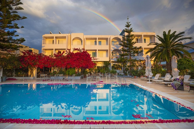 KYPARISSIA BEACH HOTEL 3*